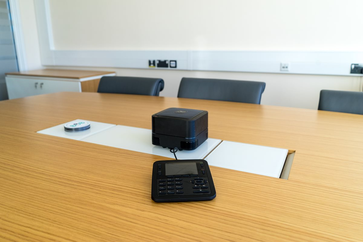 USB & VoIP Conference Phone Use Case 2
